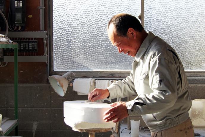 30年以上勤める江尻さん。